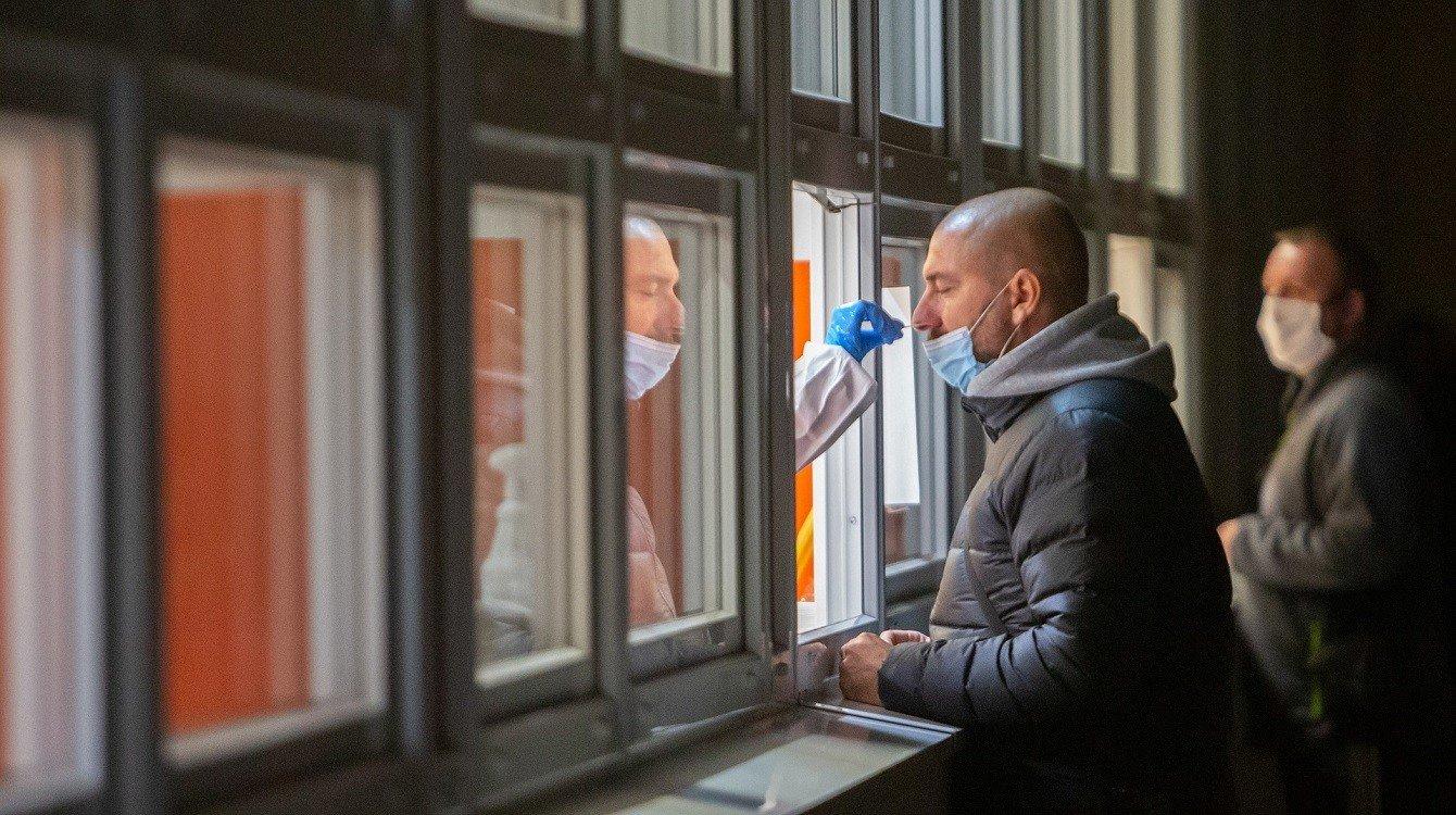Testování zaměstnanců, mimořádná opatření, zvýšení nemocenské u karantény