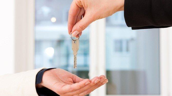 Nájem, byt, bydlení, klíč