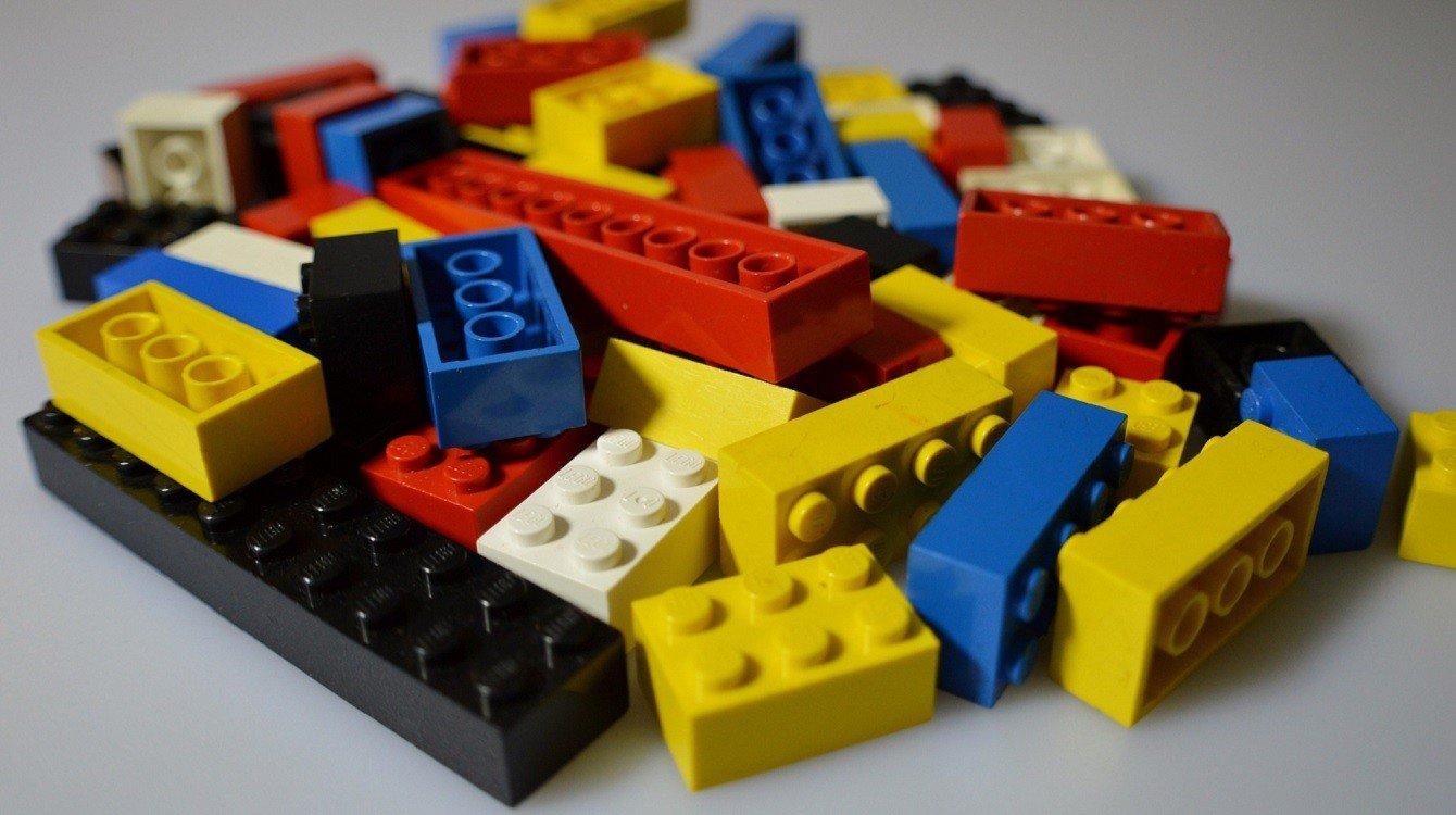 Ochrana průmyslového vzoru kostky stavebnice Lego