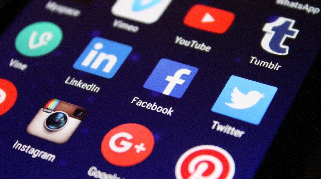 Regulace sociálních sítí